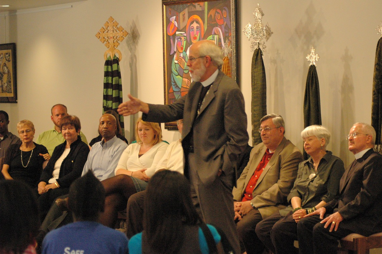 Presiding Bishop Mark S. Hanson engages ELCA members of the studio at the September 19, 2010, Town Hall Forum.