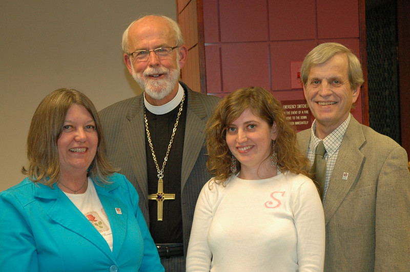 Presiding Bishop Mark S. Hanson with the Olson family, Barb, Stephanie and Ken