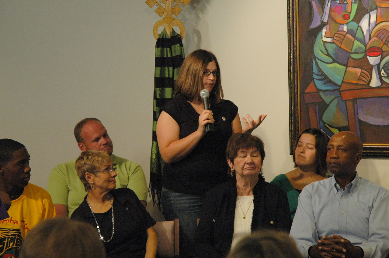 Becky Sorensen asks Presiding Bishop Mark S. Hanson a question about the Diaconal Ministry roster.