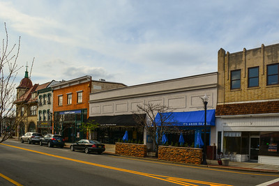 Shops along East Ridgewood Ave in Downtown Ridgewood