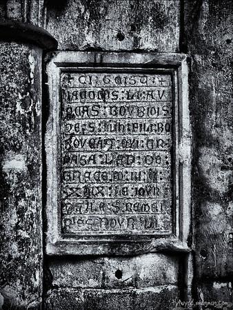 """01-06-2010 Epitaphe de Jacomin l'avocat (mort en 1349) - Epitaph of Jacomin the attorney (died in 1349)<br /> <br /> """"Ci-gît Jacomin l'avocat, bourgeois de Saint Mihiel, fis Bonboucat qui trépassa l'an de grâce 1349 le jour de la Saint Rémi, priez pour lui""""<br /> <br /> A last shot from the St Etienne Church. I'll have to go back there I'm sure there are several more interesting details..."""