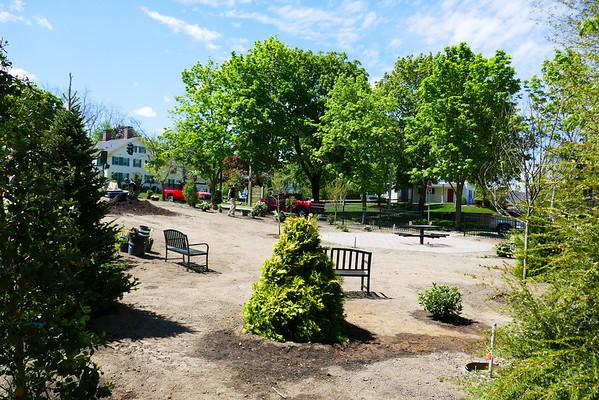 2016-05-18 Chelmsford Public Garden P1000262