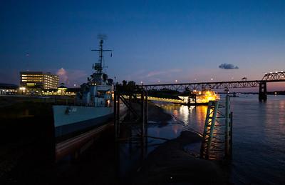 l'heure bleue à bord de l'eau Baton Rouge (The Blue Hour at the Baton Rouge riverfront)