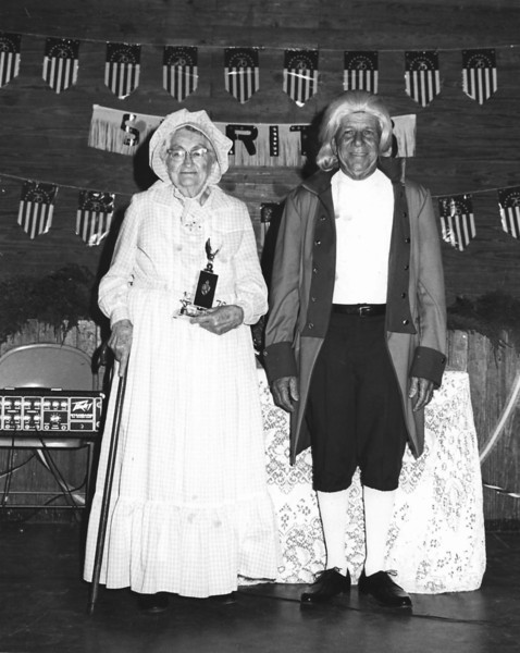 Edna Smith and J. D.  Barrentine at USA Bicentennial Celebration in Enigma, Georgia, 1976. (Courtesy of Linda Guess)