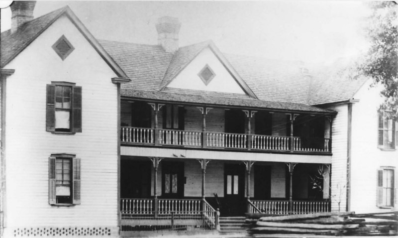 The Lee-Banks Hotel in Milltown, Georgia