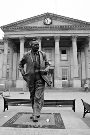 Harold Wilson statue outside Huddersfield railway station