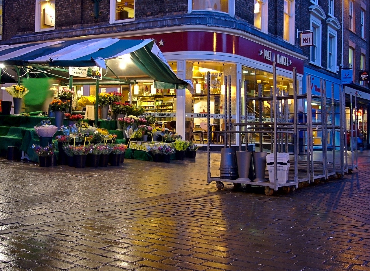 York market closing down