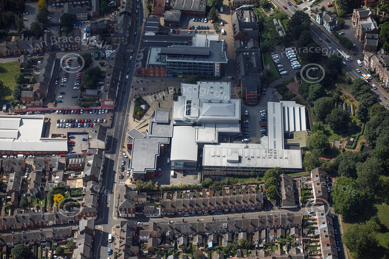 Aerial photo of Lincoln College.
