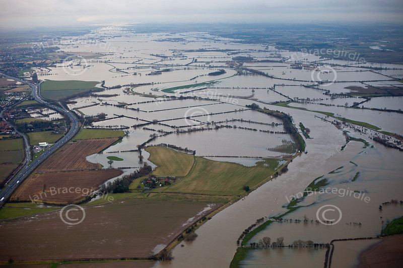 An aerial photo of floods to the North of Newark