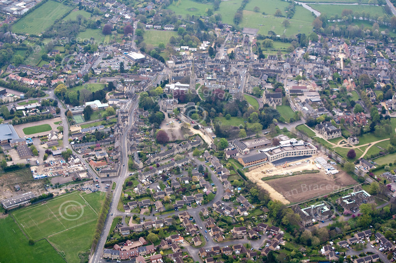 Oundle from the air.