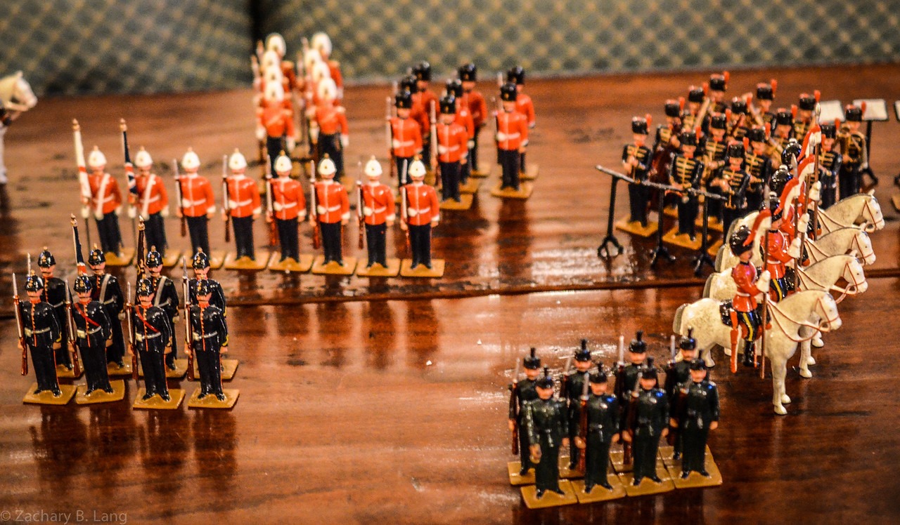 Hocker-The Queens Own Presentation Box of Toy Soldiers 3