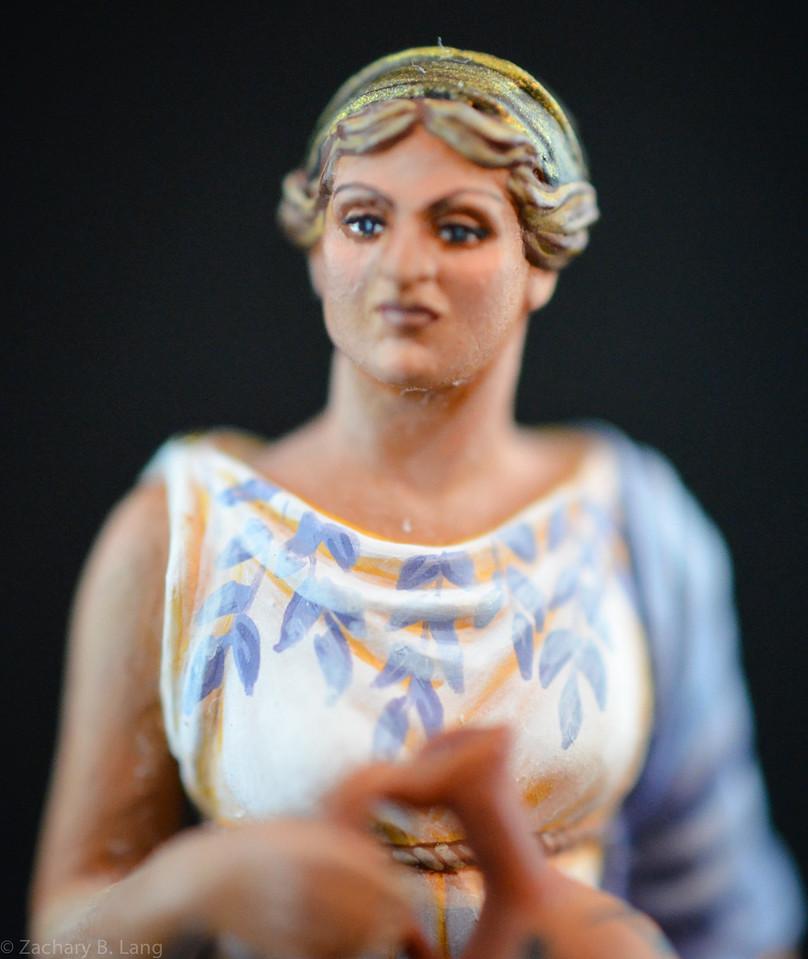 6269 Roman Woman Holding Vase 2