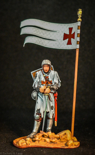 3701 Battle Weary Crusader w-Sword and Flag 1