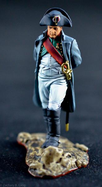 3881 Napoleon Holding Spyglass 3