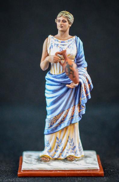 6269 Roman Woman Holding Vase 1