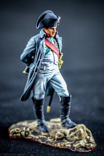 3881 Napoleon Holding Spyglass 1