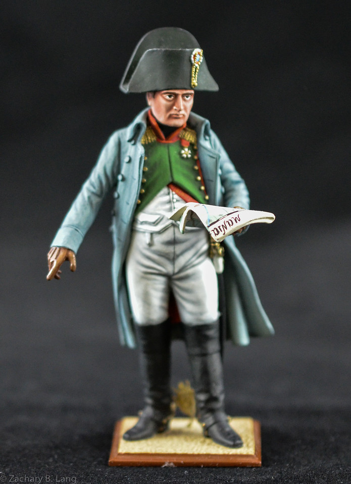N812 90mm Napoleon in Overcoat Holding Map 1