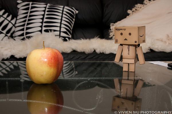oh, an apple!
