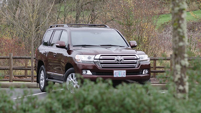2017 Toyota Land Cruiser 4WD V8 Parked Reel