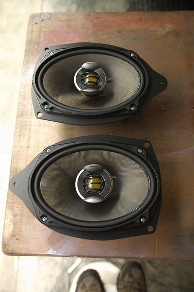 """Aftermarket speakers mounted to speaker adapter plates  from  <a href=""""http://www.car-speaker-adapters.com/items.php?id=SAK007""""> Car-Speaker-Adapters.com</a>"""