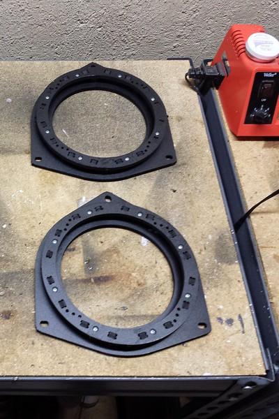 "Speaker adapter brackets   from  <a href=""http://www.car-speaker-adapters.com/items.php?id=SAK036""> Car-Speaker-Adapters.com</a>"