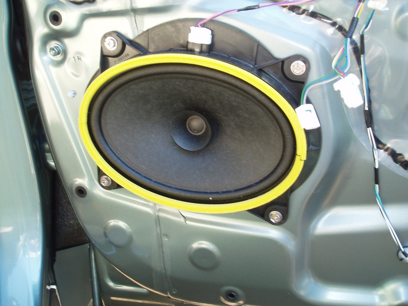factory speaker in door