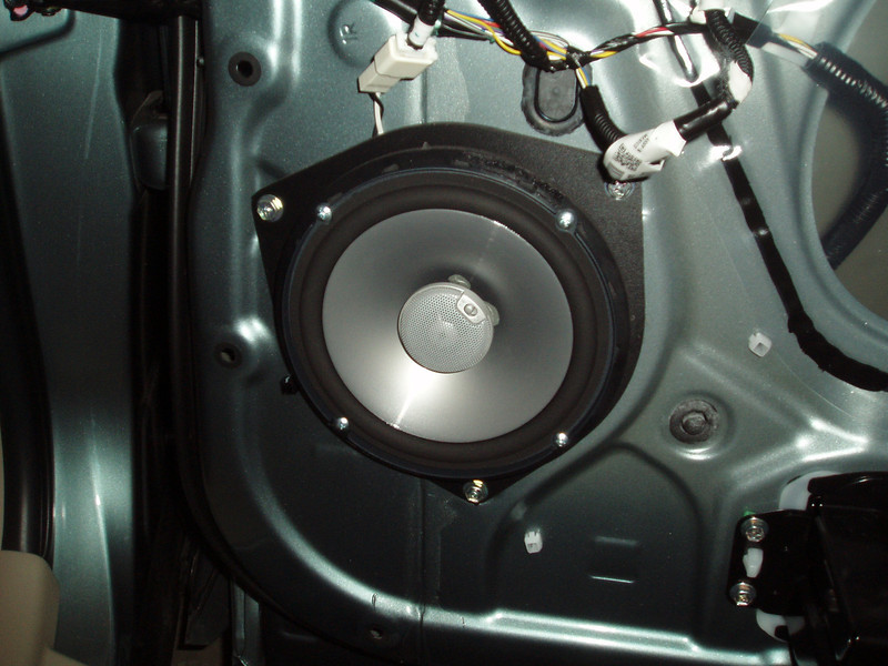 """Aftermarket speaker and speaker adapter    from <a href=""""http://www.car-speaker-adapters.com/items.php?id=SAK036""""> Car-Speaker-Adapters.com</a>"""