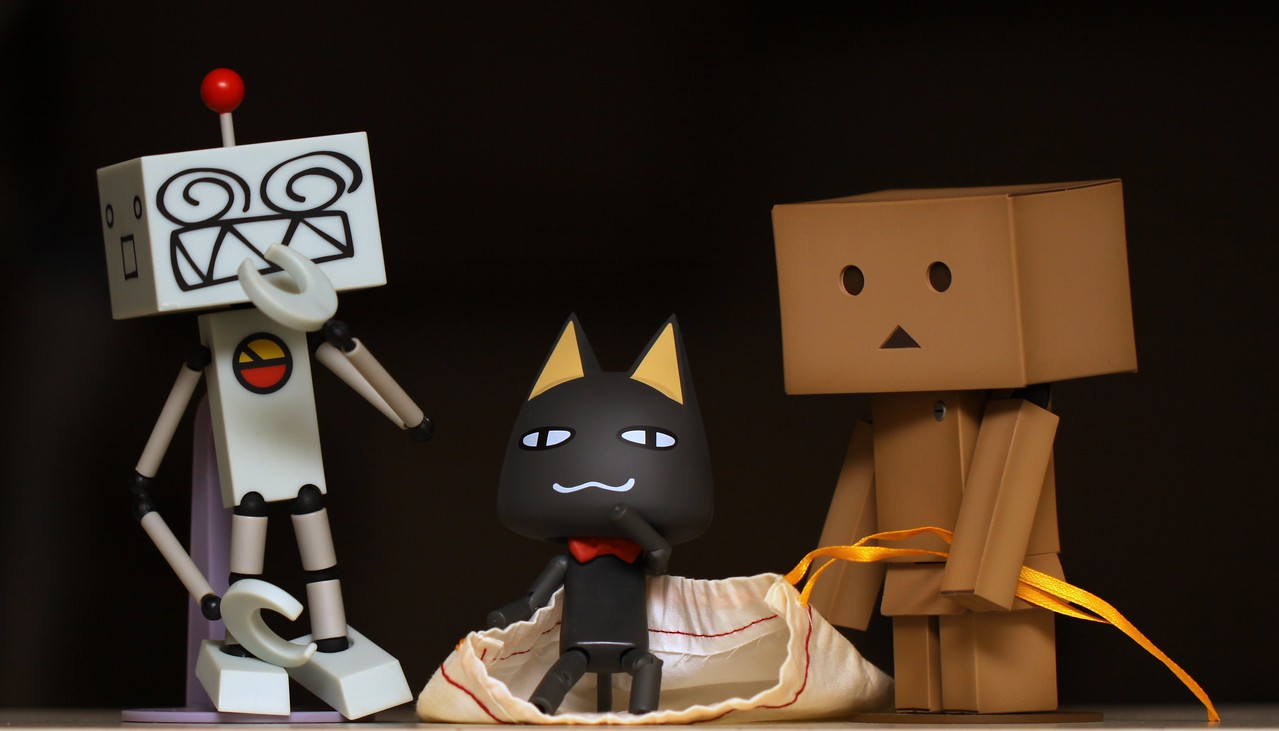 The surprise...#365Project Day 151- Oops, looks like Danboard let the cat out of the bag!  Settings: 100.0m f/2.8 1/250s ISO:100 flash @sharkbayte (2010.05.31)