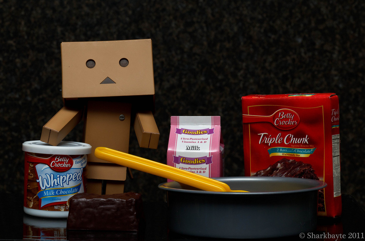 Danboard the baker. Do you want these frosted or unfrosted? Danboard wanted to surprise everyone with brownies tonight. So the next choice was frosted or unfrosted? I never had frosted brownies before but that does sound interesting. Day 23:365 @sharkbayte