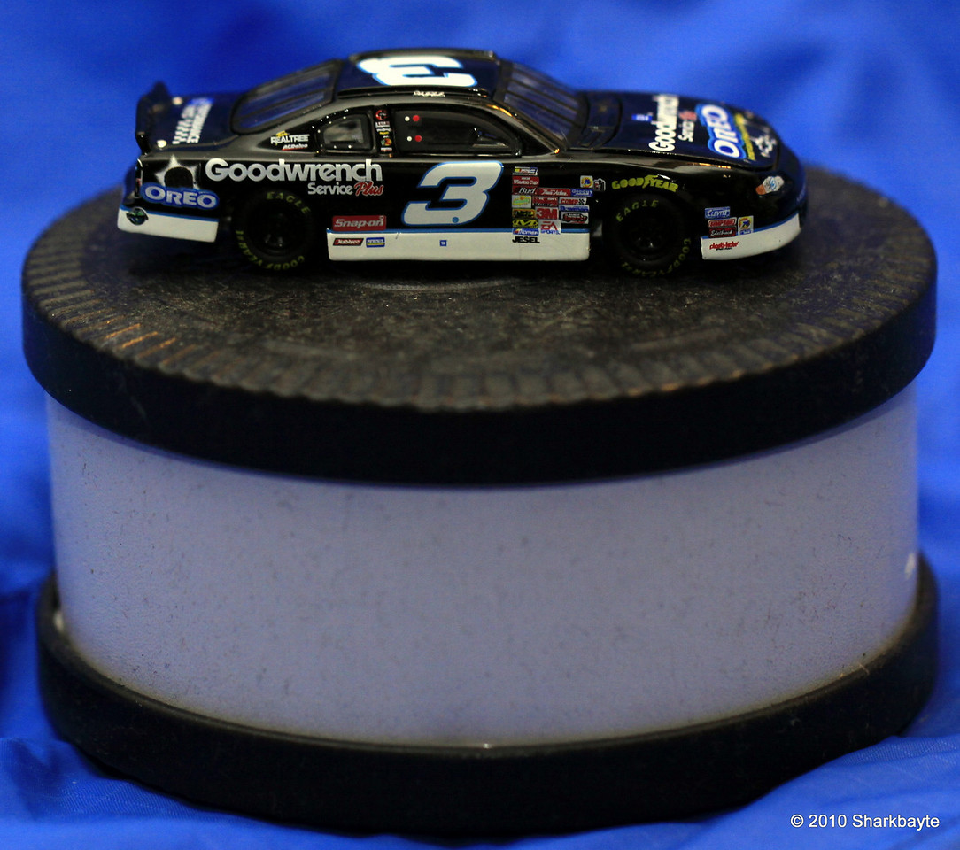 Day 211/365- The gang thought this was cool (from the Oreo tin). If you are a Nascar fan you would think it was cool probably. (I am not a Nascar fan but don't tell anyone that.) #365Project settings: 100.0mm 1/60s f/3.5 ISO:400 I had to use my speedlite as well. @sharkbayte