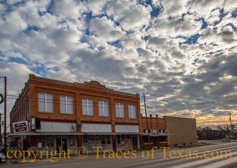 Title:  Sunrise Salutation<br /> <br /> Comments: So much of the time Texas really seems to be about the sky, doesn't it?<br /> <br /> Location: Poth