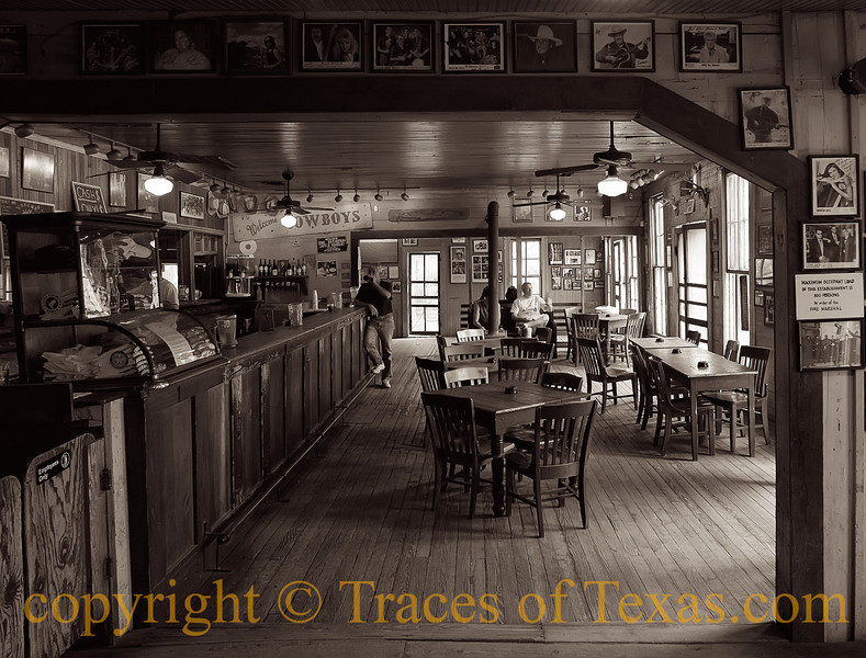 Title:   Splendor in the Beer Joint<br /> <br /> Comments: <br /> <br /> Location: Gruene