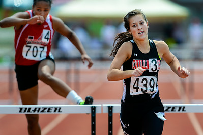 _A4750_Gilliland_smiles_as_she_crosses_finish_line