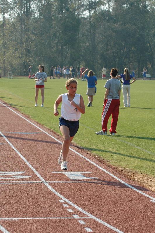 3:36 Jenna at 800m