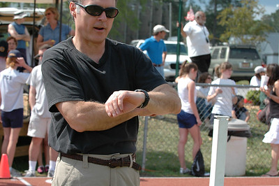 Yeah, I've done this before, like at Bolles. Scott Mitchell started his watch at the gun. He's calling out time to me. As he gets to 30 seconds, I snap this shot. Exif data shows 11:24:42. That means the start was at 24:12. Got it?