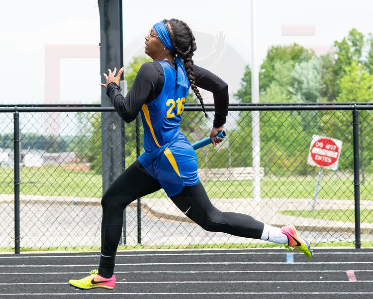 Clearview Alyzabeth Lighty leads off the 4x200 relay at the Orrville Districts Saturday May 19.  photo Joe Colon