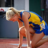 Maya Jarostchuk in at the start of her 400m State Open win.
