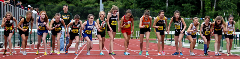 A strong field prepares for the State Open 1 mile start