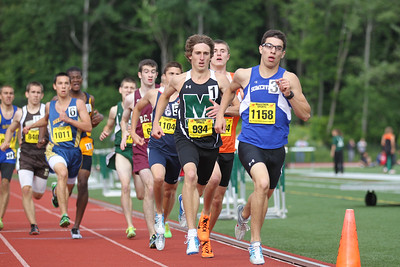 Andre Rolim leads Josh Lampron in at the bell in the 800m at the State Open.