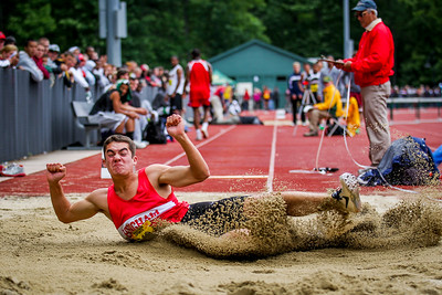 Sophmore Andrew Bolze jumps to 2nd in the long jump at the State Open.