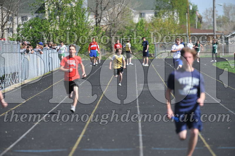 JH Tr Dunlap Relays 2 Monmouth 04-17-10 019