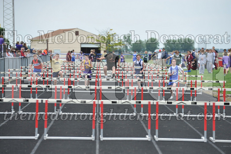 JH Tr Sectionals Girls-Feild Events, Boys Running 05-15-10 038