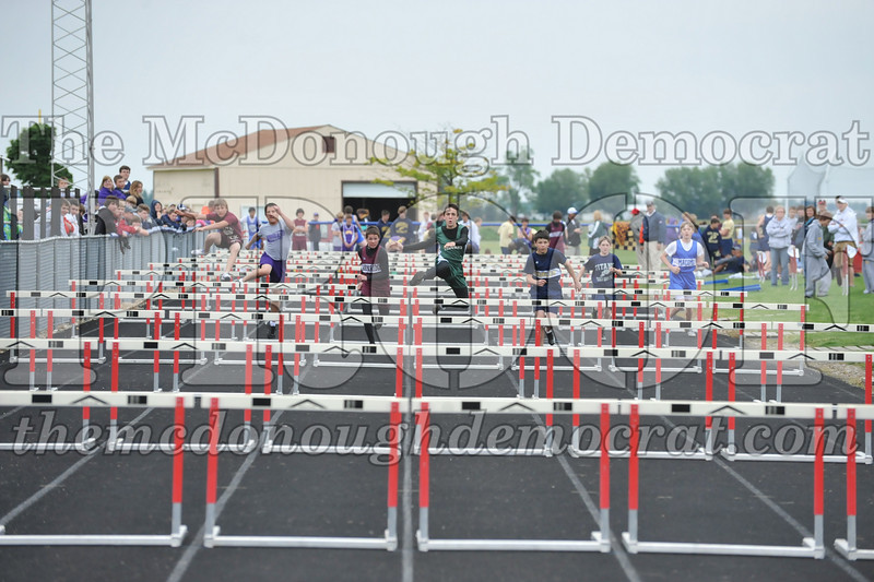 JH Tr Sectionals Girls-Feild Events, Boys Running 05-15-10 055