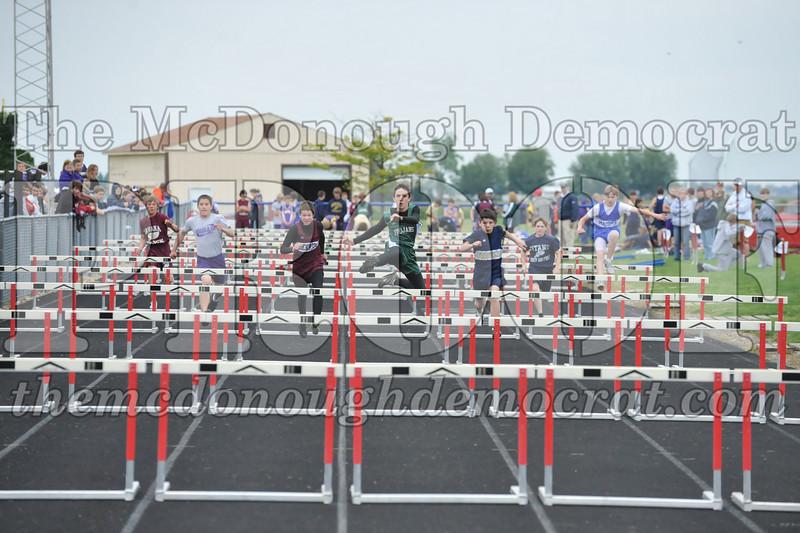 JH Tr Sectionals Girls-Feild Events, Boys Running 05-15-10 058