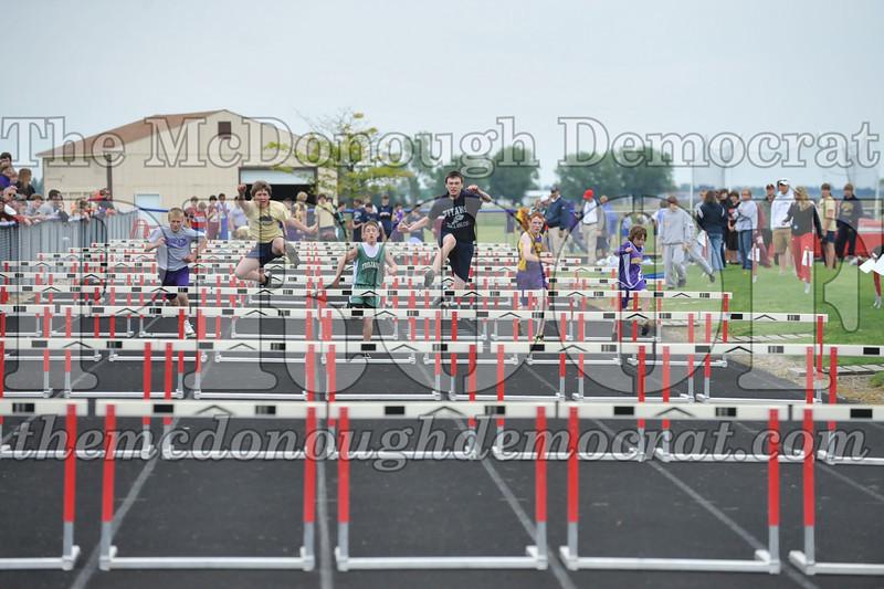 JH Tr Sectionals Girls-Feild Events, Boys Running 05-15-10 023