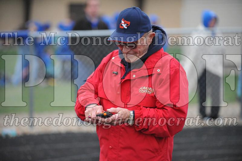 HS Tr Muggs McGinnis Relays 04-18-11 045