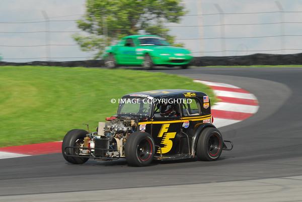 Friday Race B - 944, GTS1-2, HC3-5, SE30, SF, SM, SN, TR