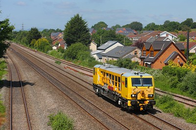DR98008 at Undy on the 19th June 2015