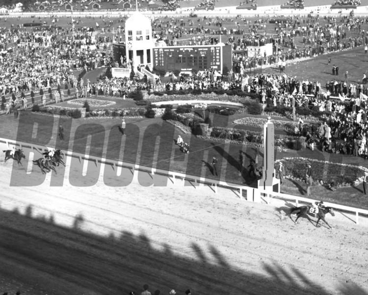 Whirlaway winning 1941 Kentucky Derby