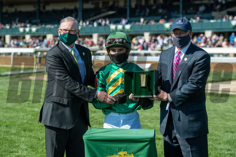 Bill Farish and Bill Lear with Joel Rosario after Flagstaff wins the Commonwealth Stakes (G3) at Keeneland on April 3, 2021.